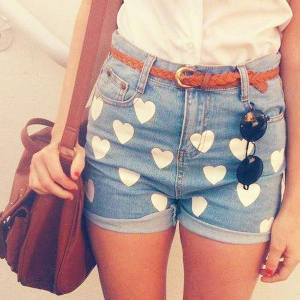 Heart Shorts. Decorate your old shorts with colored ropes, wire, buttons or zippers, denim, sequins, silk and lace and what ever you like. It is fun and inspiring to make some creative shorts for yourself.