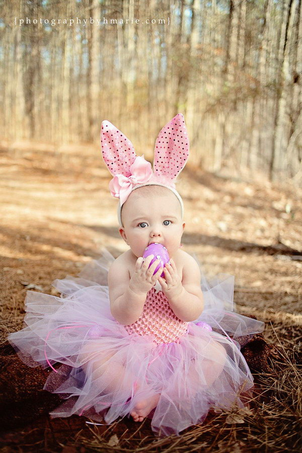 Easter Costume to Dress Infant. It's Easter, why not dress your cute baby as the Easter bunny? Wearing the infant Easter tutu dress and the Easter bunny headband, you are the Easter bunny adored by your family and friends.