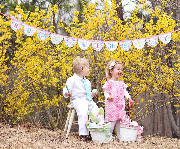 Happy Easter Banner. If you are confused about how to create the Easter atmosphere for you photo, you can try this happy Easter banner. Try to grab the shot when the siblings have some funny expression.