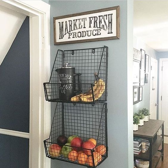 Metal and Wire Wall Rack.