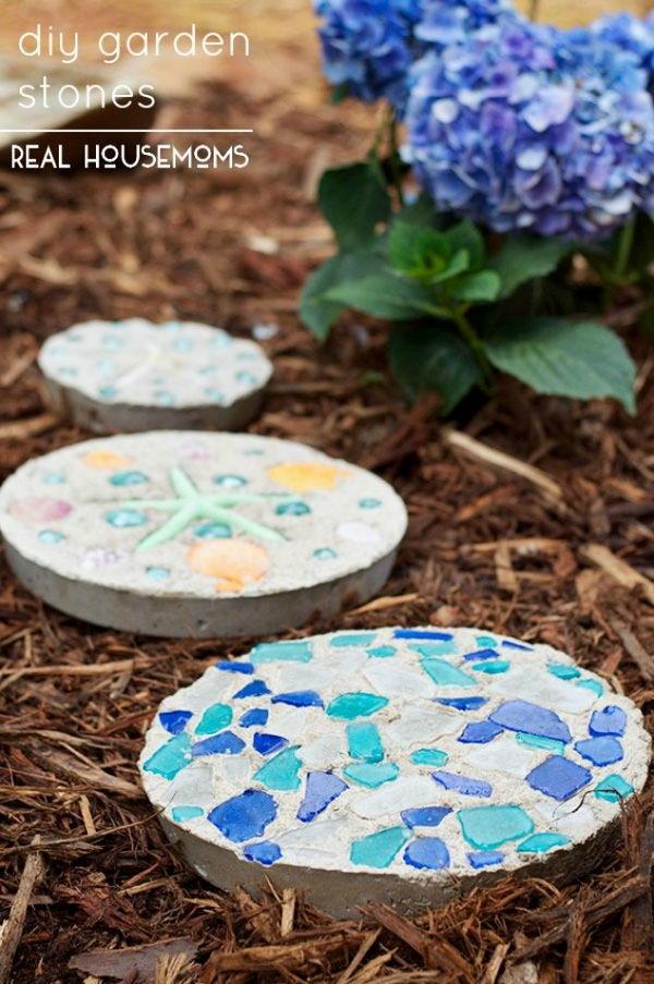 DIY Garden Stones.