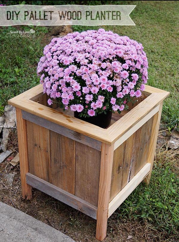 DIY Wood Pallet Planter Box.