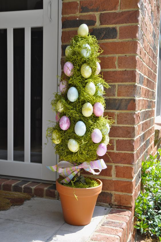 DIY Easter Topiary Tree.